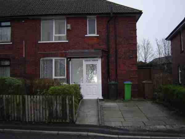 8 Dicken Green, Rochdale
